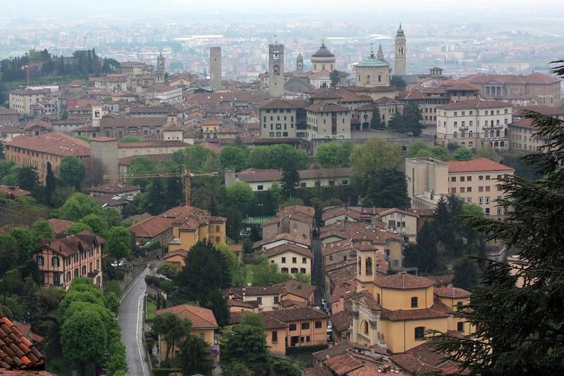 Bergamo egy nagyon szép város. A bergamói reptértől fél órányira ilyen szépet is láthatunk!